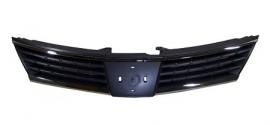 Решетка радиатора Nissan Tiida (2007-2010)